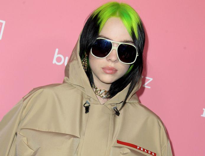 Billie droeg de afgelopen jaren vaak wijde kleding, met haar kenmerkende zwart-groene haar.
