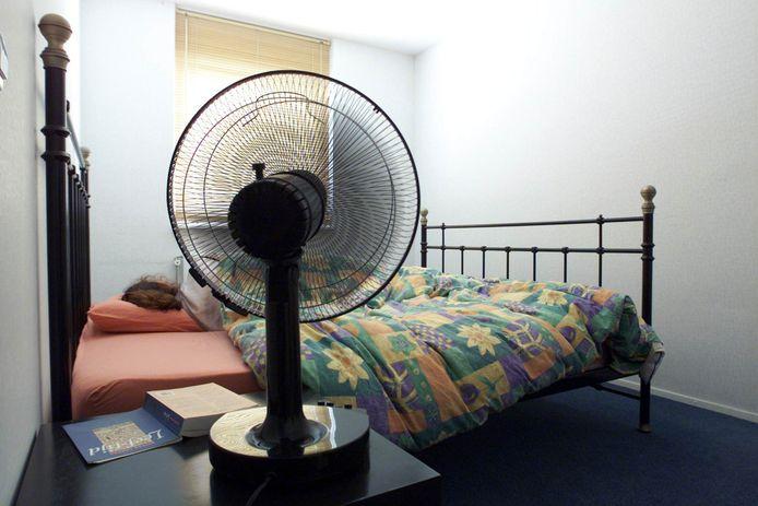 Een simpele tip van de slaapdeskundige: hou je slaapkamer zo koel mogelijk.