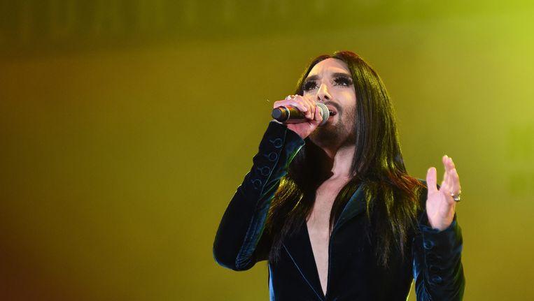 Conchita Wurst won in 2014 het Eurovisiesongfestival namens Oostenrijk met het nummer 'Rise Like a Phoenix'. Beeld EPA