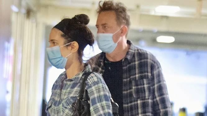Matthew Perry en zijn verloofde Molly voor het eerst samen gespot (in matching outfits) sinds hun verloving