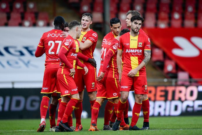 Go Ahead Eagles viert de treffer van Bas Kuipers