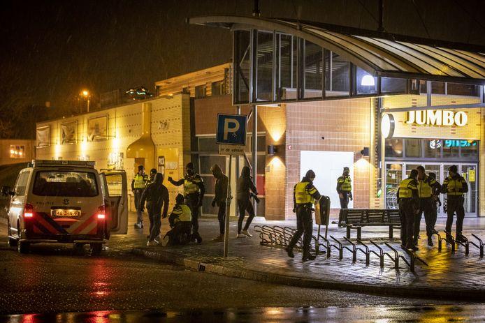 Volop politie in Hengelo.
