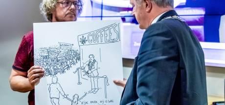 Meer dan vijftig officiële bezwaren tegen coffeeshop Zwolle