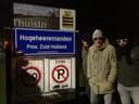 In de eerste uren van 2019 verwisselde een groepje inwoners van Zederik meer dan tien spiksplinternieuwe borden van gemeente Vijfheerenlanden in Zederik en Leerdam als stil protest tegen de overgang naar de provincie Utrecht. © Pel Astrid