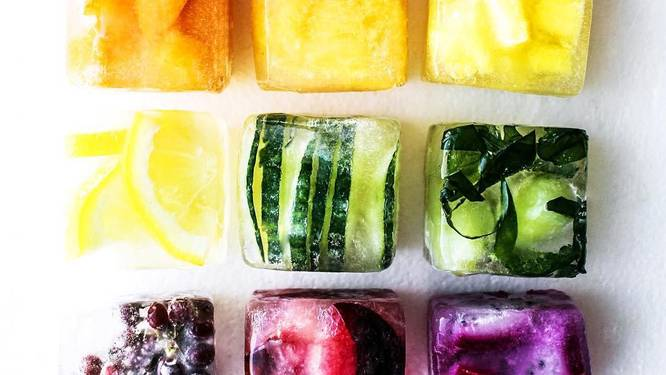 NINA zomert: kleurrijke ijsblokjes voor fruitige verfrissing