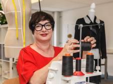 Kleermakersvak dreigt te verdwijnen, Zwolse begint opleiding: 'Ik koop geen kleding meer'