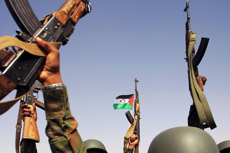 SARD soldaten wonen de 45e verjaardag van de SARD bij in Zuid-Algerije. Beeld Hollandse Hoogte / SIPA Press