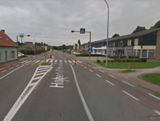 """Zebrapad d'Ydewallestraat wordt veiliger voor scholieren: """"We laten de fietssuggestiestrook doortrekken"""""""