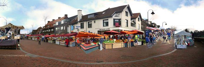 Een weekmarkt zou het centrum van Bilthoven levendiger maken en het zou meer mensen trekken. De foto is een montage van een weekmarkt op de Julianalaan en Emmalaan.