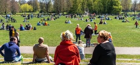 Gemoedelijke Koningsdag met grimmig staartje in Zwolle