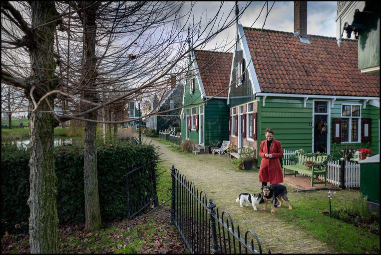 Carleen Lebens woont aan het Zonnewijzerpad bij de Zaanse Schans Beeld Werry Crone
