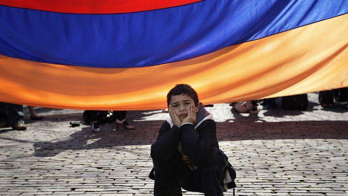Archiefbeeld. Een Armeense jongen bij een toespraak tijdens de herdenking van de slachtoffers van de Armeense genocide.