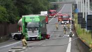E313 urenlang in beide richtingen afgesloten na ongeval met tankwagen: 300 bewoners geëvacueerd