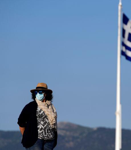 La Grèce met fin au masque obligatoire à l'extérieur