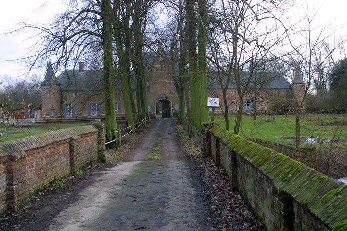 De Grobbendonkse kasteelhoeve ligt vlakbij de samenvloeiing van de kleine Nete en de Aa