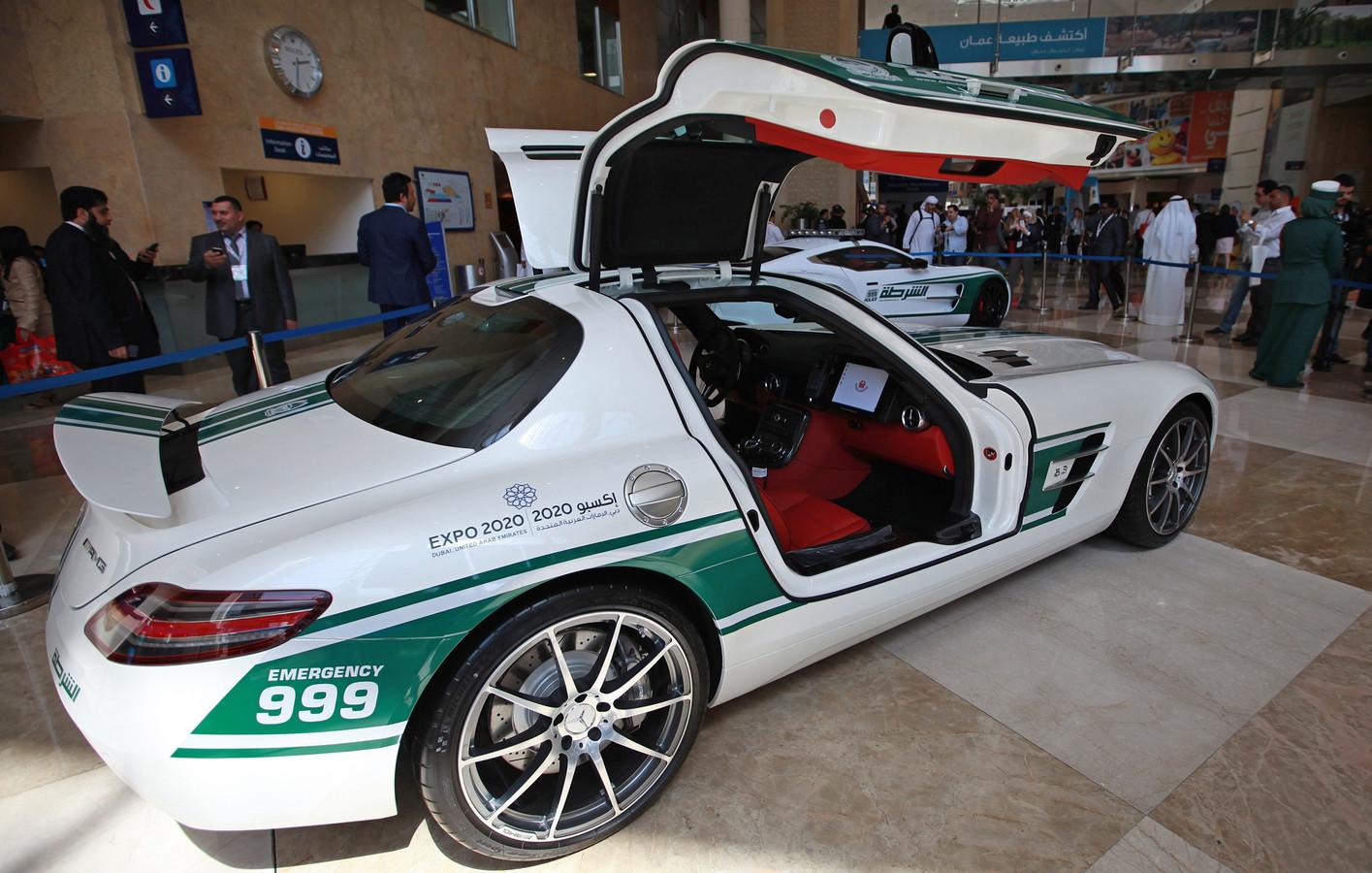 Een Mercedes-Benz SLS, eveneens in dienst van het politiekorps van Dubai