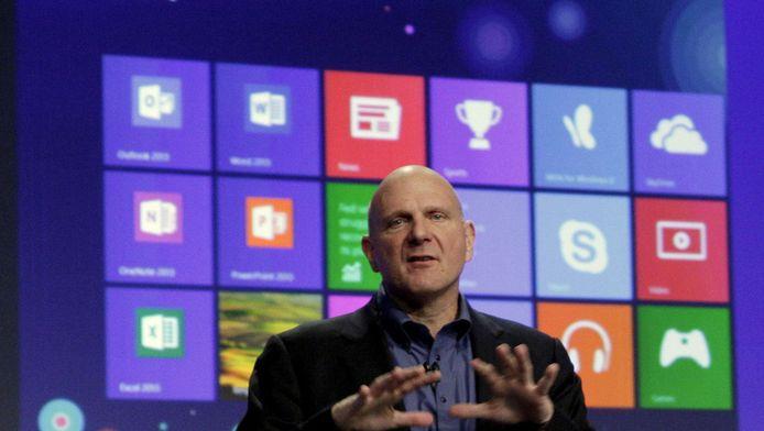Steve Ballmer, topman van Microsoft, bij de voorstelling van het nieuwe besturingssysteem Windows 8.
