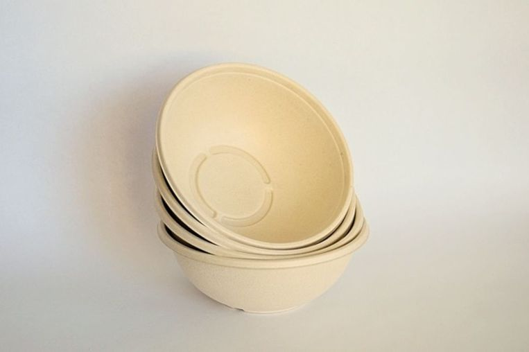 Buddha bowls gemaakt van suikerriet. Ook in dit product werd Pfas aangetroffen boven de limiet van 20 mg/kg. Beeld Marketa Sediva