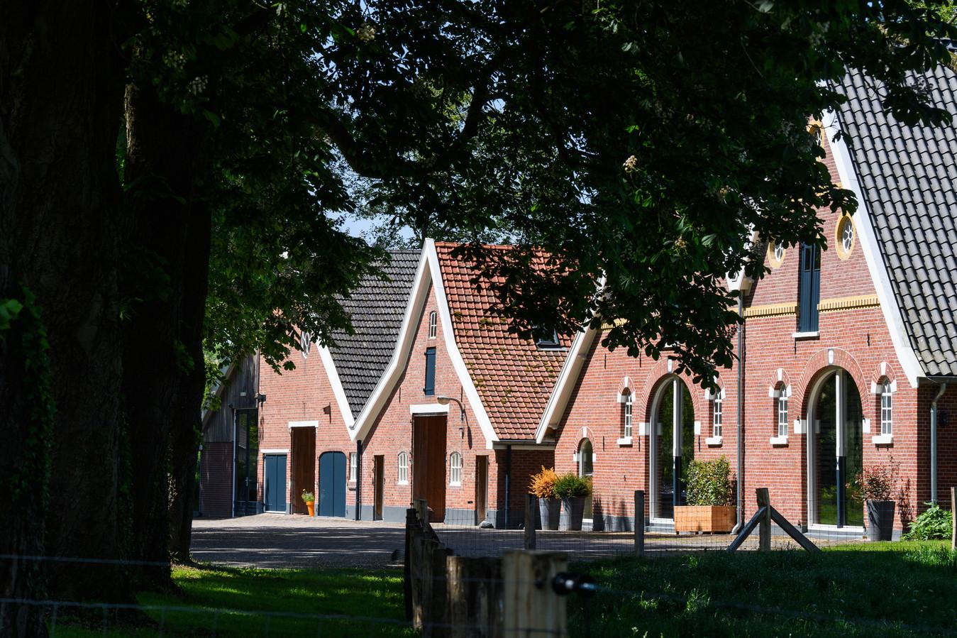 Erve Elkeman is een oud boerenerf dat opgaat in het nieuwe Landgoed Hof van Twekkelo.