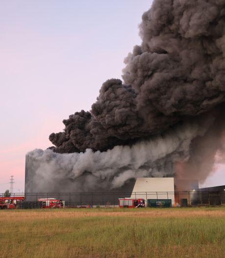 Brand bij afvalbedrijf van Lidl-miljardair zorgt voor hoofdbrekens in Zwolle: 'Schade is aanzienlijk'