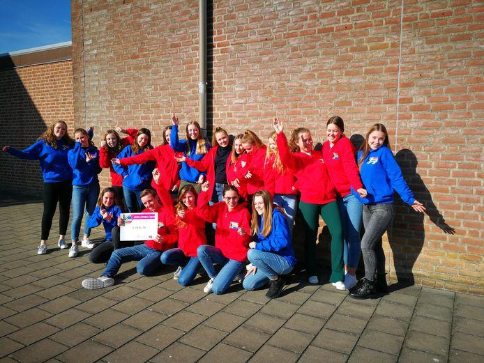 De groep Bemmelse leerlingen, vlak voor vertrek naar Zuid-Afrika.