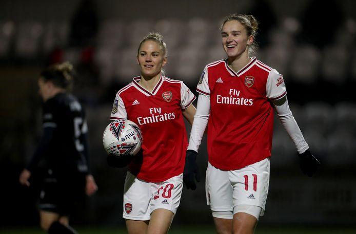 Vivianne Miedema juicht na één van haar veertien competitietreffers voor Arsenal dit seizoen.