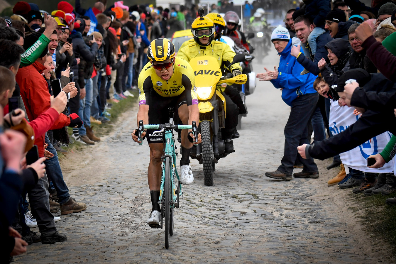 Beeld van Wout van Aert tijdens voorbije editie Parijs-Roubaix