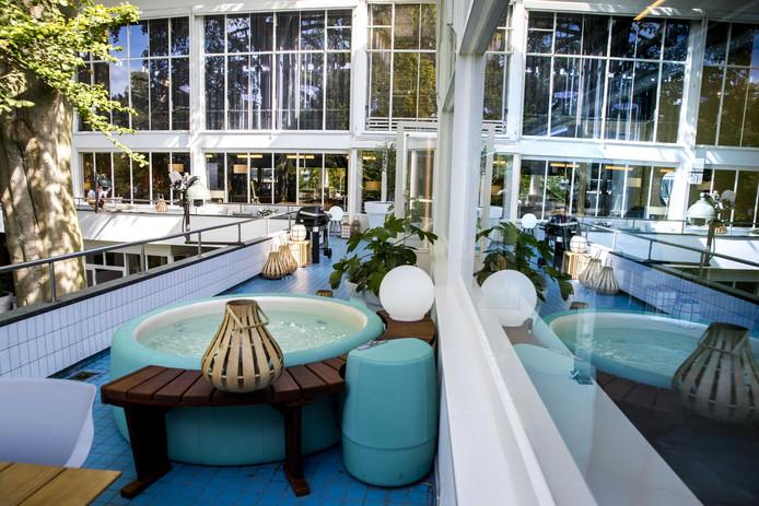 De enige buitenruimte, het balkon, van het nieuwe SBS-programma House of Talent.