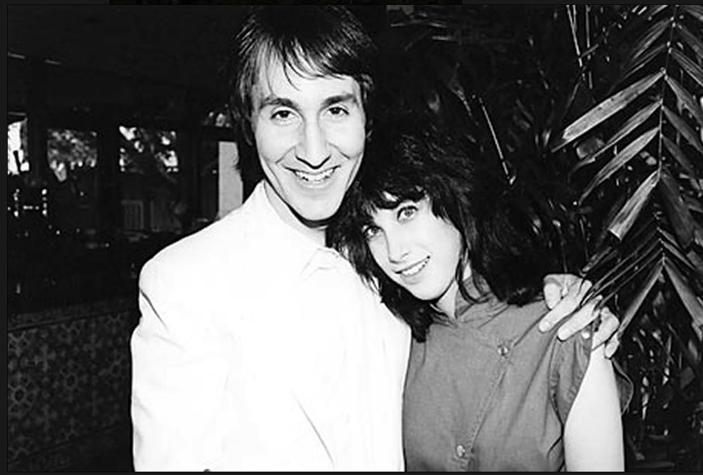 Frontman Doug Fieger stond uiteindelijk toch te blinken naast Sharona, in 1979. Beeld RV