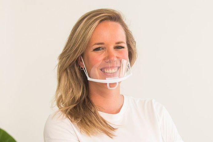Het zogenaamde 'transparant mouth shield'.