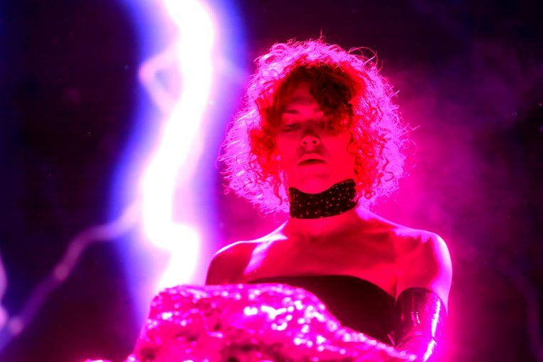 De Schotse dj en producer Sophie Xeon, artiestennaam Sophie, tijdens een optreden in 2019. Beeld AFP