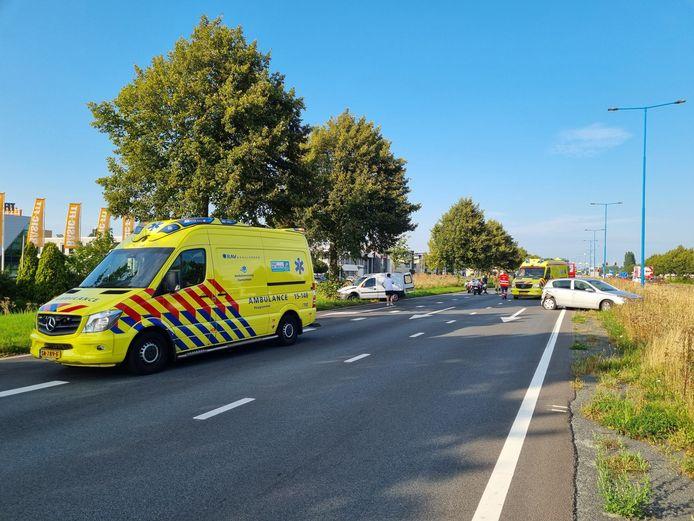 Er had zich een kop-staart botsing voorgedaan tussen een bezorger van DHL en een personenvoertuig.