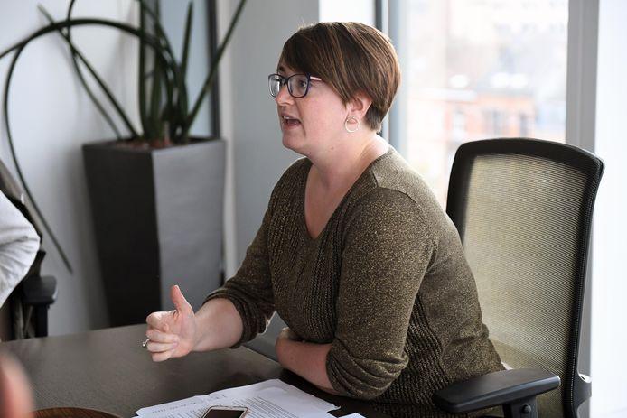 Schepen Lies Corneillie lanceert samen met CAW Oost-Brabant een sensibiliseringscampagne om geweld binnen het gezin zo vaak mogelijk te voorkomen.