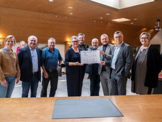 Acht lokale besturen tekenen overeenkomst om werklozen beter aan het werk te krijgen