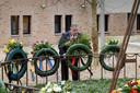 kranslegging ivm bombardement door burgemeester Bruls tijdens corona. Nijmegen, 22-2-2021 .