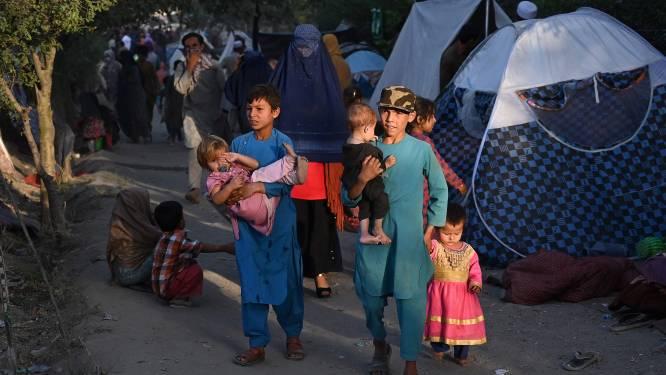 """Taliban veroveren tiende Afghaanse provinciehoofdstad, """"Kaboel stelt taliban voor macht te delen"""""""