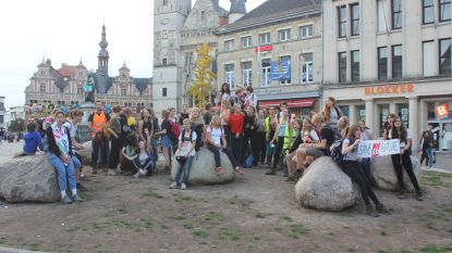 50 jongeren marcheren door Aalst tegen klimaatverandering