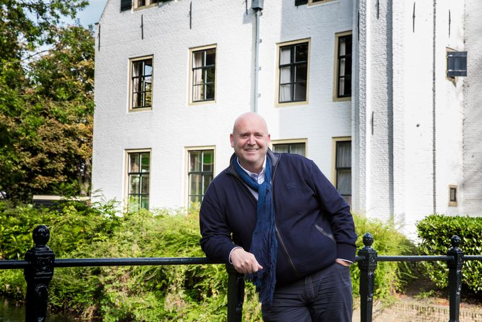 Chef-kok Ad Janssen bij 'zijn' Het Kasteel van Rhoon.