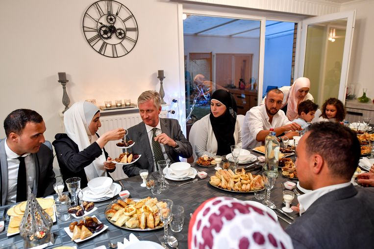 Koning Filip nam vorig jaar deel aan een iftarmaaltijd.