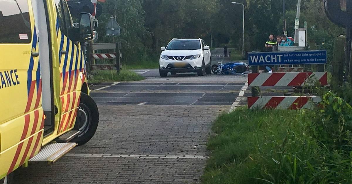 Twee personen gewond bij aanrijding in Hengelo.