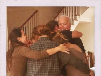 Kleindochter van Biden deelt foto van familieknuffel na overwinning