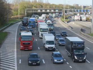 Zware ochtendspits op Antwerpse ring en E313 door defect voertuig en ongeval