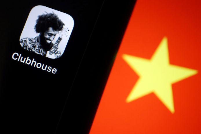 De app Clubhouse en een deel van de Chinese vlag.