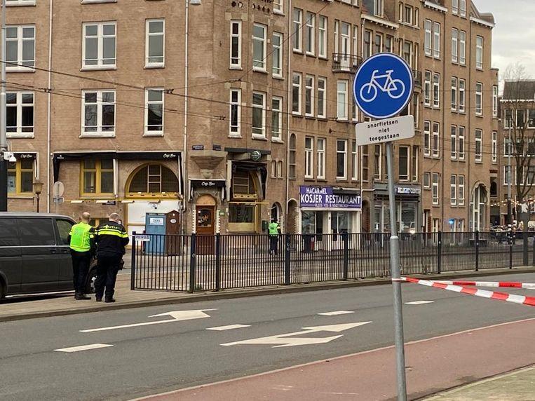 De Amstelveenseweg is afgezet. Beeld Maarten Brante