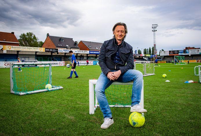 Voorzitter jeugdvoetbalclub KVK Tienen Peter Denruyter