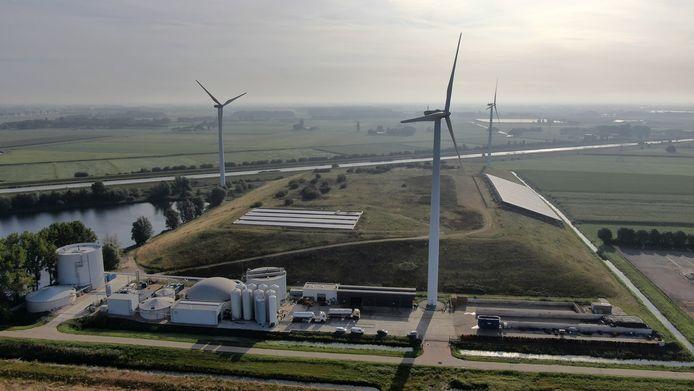 Windmolens bij Waalwijk.