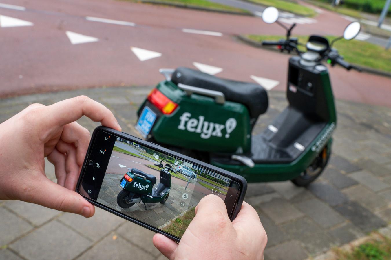 Van Felyx moet je voortaan een foto maken van je scooter na het parkeren.