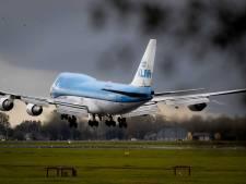 Vrouw baart baby tijdens KLM-vlucht
