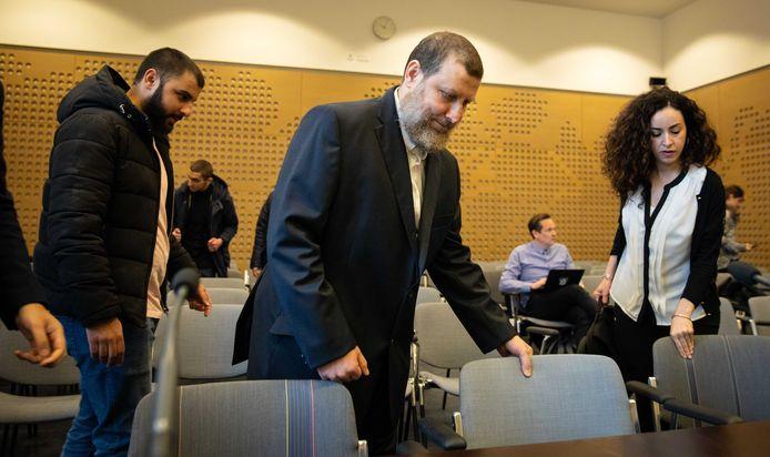 Fawaz Jneid bij de Raad van State.