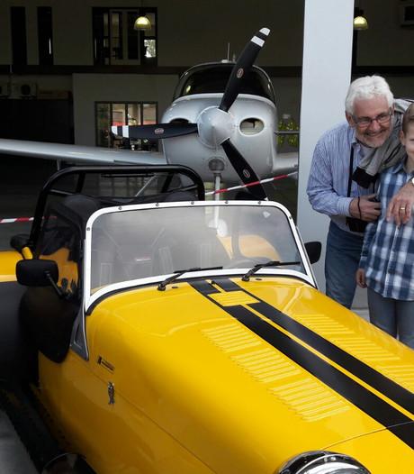 Snelheidsduivels op taxibaan Seppe tijdens eerste Fly In Carshow